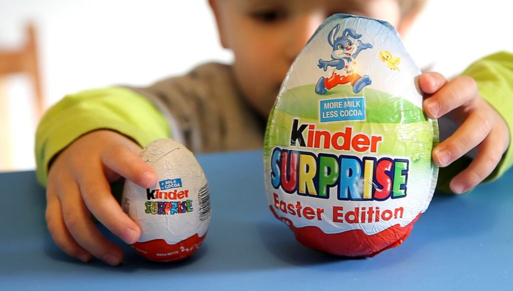 Kinder surprise easter edition big maxi egg with big toy new in.